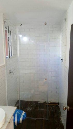 אמבטיון זכוכית בצבע לבן
